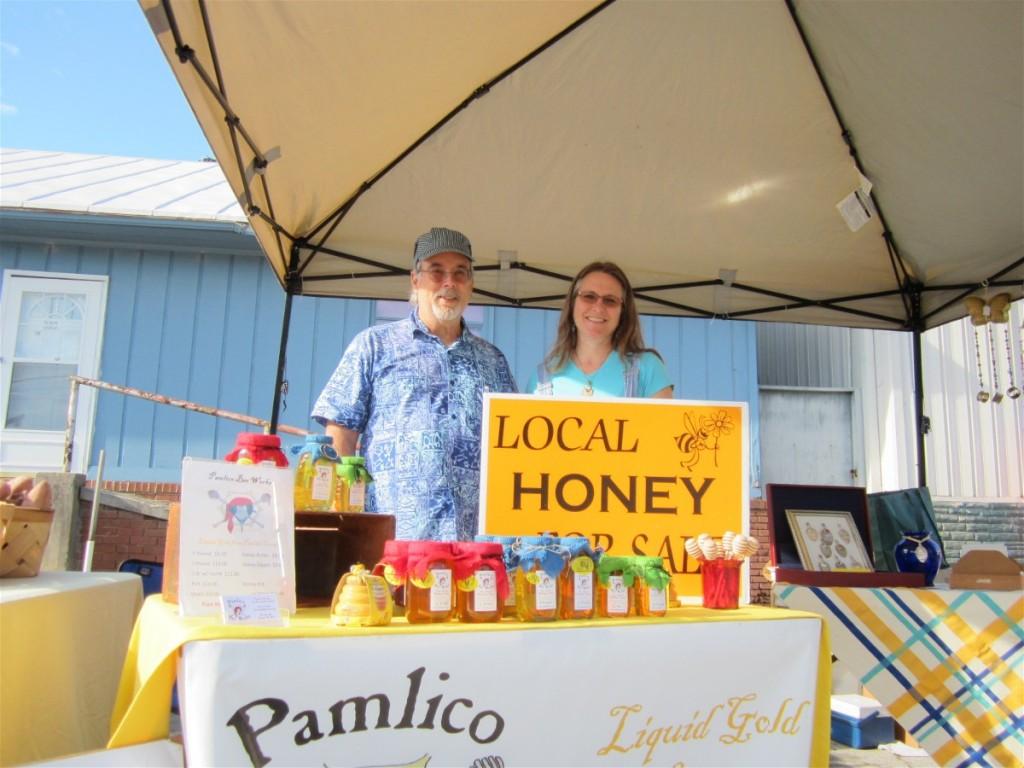 Farmer's Market Pamlico Bee Works