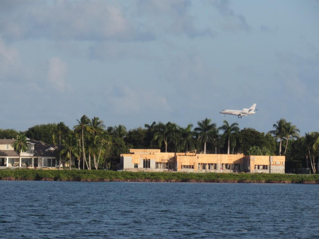 Plane seen from Pumpkin Key anchorage