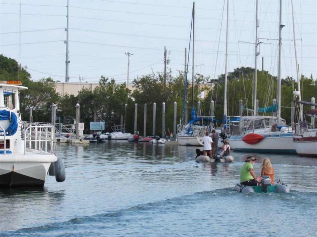 12 canal traffic